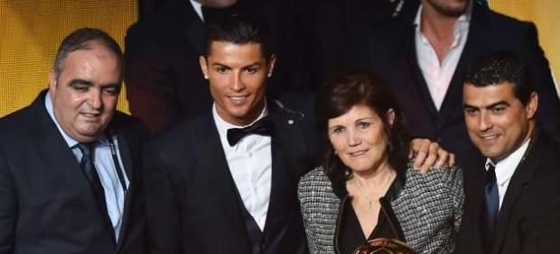 Cristiano Ronaldo con su madre