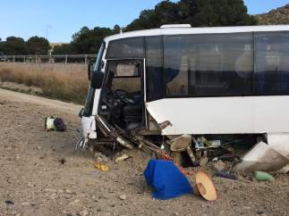 Autobús accidentado en Cuevas del Almanzora