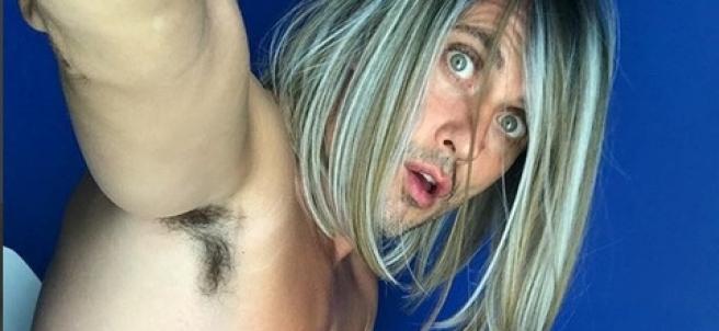 Paco León, en Instagram, caracterizado como su rol en 'La casa de las flores' de Netflix, donde interpreta a una mujer trans.