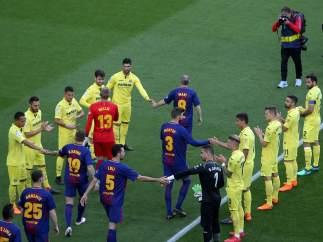 Pasillo del Villarreal al Barcelona
