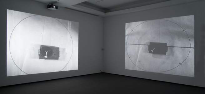 Pieza 'A Physical Ring' del artista Mika Taanila