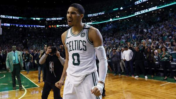 Jayson Tatum, de los Boston Celtics