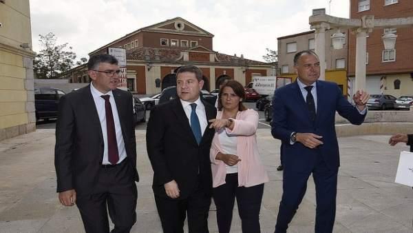 El presidente regional, Emiliano García-Page, durante su visita a Tarancón