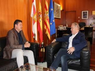 Reunión entre Miguel Gracia y Javier Allué.