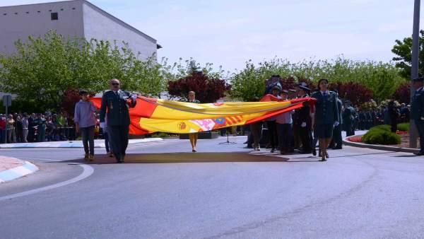 Acto homenaje a la Bandera de España y a la Guardia Civil