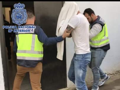 Polica Nacional Nota De Prensa 'La Policía Nacional Detiene A Un Prófugo Con Más