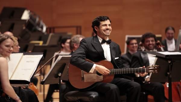 El guitarrista riojano Pablo Sáinz Villegas en una actuación