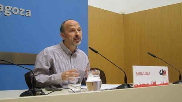 El portavoz de CHA, Carmelo Asensio