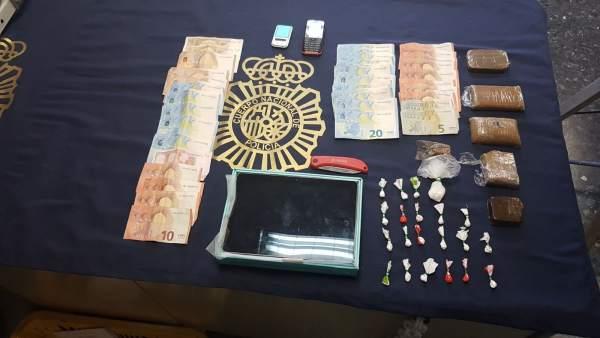 Droga y dinero intervenidas por la Policía Nacional