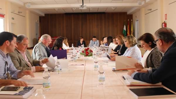 Secretarios e interventores durante el encuentro