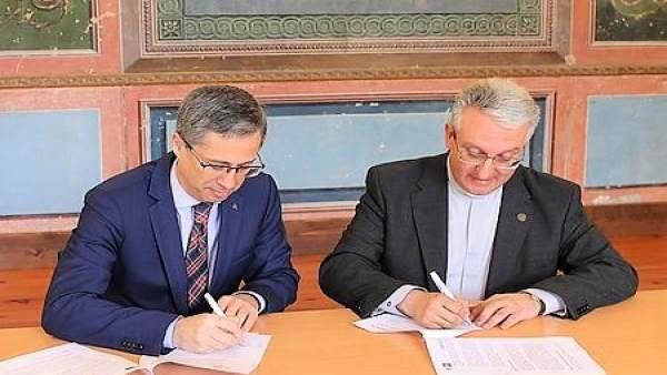 Firma del acuerdo de colaboración entre Abanca y la Catedral de Santiago