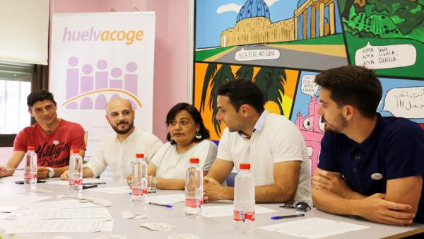 Futbolistas Solidarios se adhieren a la campaña 'Stop Rumores' de AndalucíaAcoge