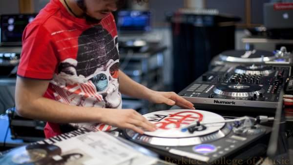 DJ Lab