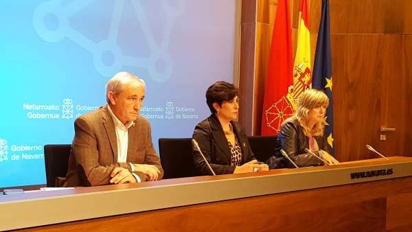 Mikel Aranburu, María Solana y Ana Ollo.