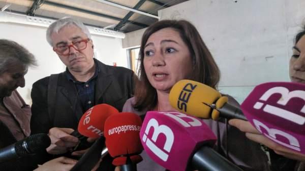 Francina Armengol en declaraciones a la prensa. Foto de archivo.