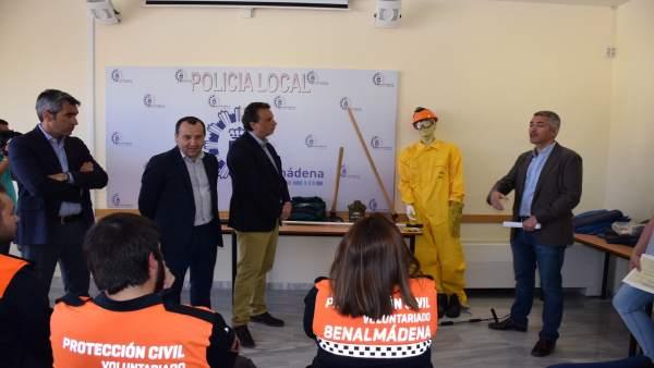 Protección civil equipos de emergencia contra incendios forestales voluntarios