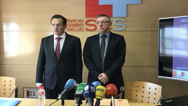 El gerente del SCS y el subdirector de Gestión Económica en rueda de prensa