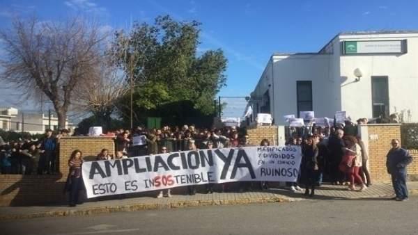 Protesta de la AMPA del IES Las Encinas