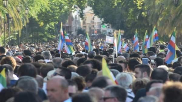 Manifestación en Linares para exigir soluciones laborales