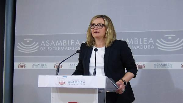 La presidenta de la Asamblea de Extremadura, Blanca Martín