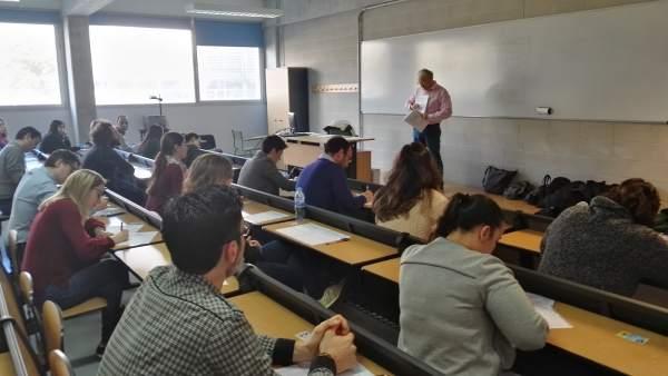 Imagen de archivo de las pruebas de unas oposiciones en Baleares