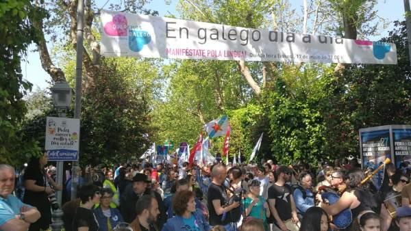 Manifestación de Queremos Galego 17 de mayo de 2018