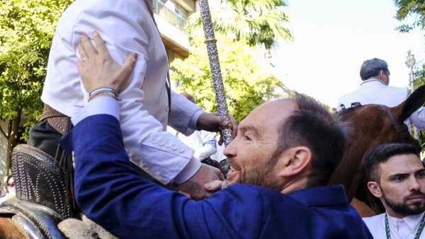José Fernández despide a la Hermandad del Rocío de Huelva.