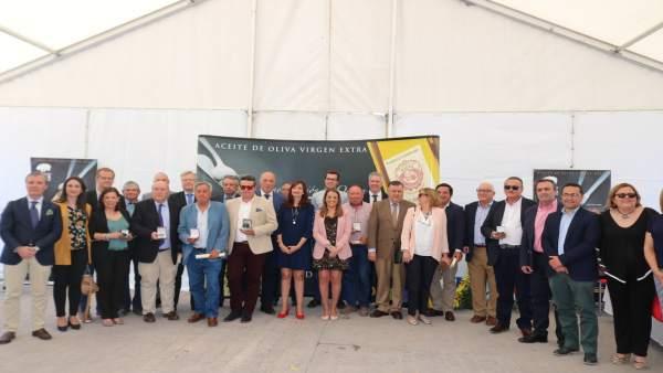 Autoridades y premiados en los XXV Premios a la Calidad del Aceite de DO Baena