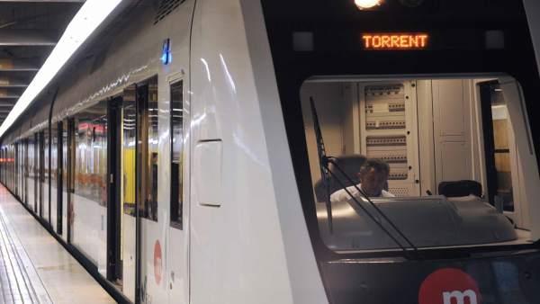 PP i Cs acorden una inversió de 10 milions per al transport metropolità