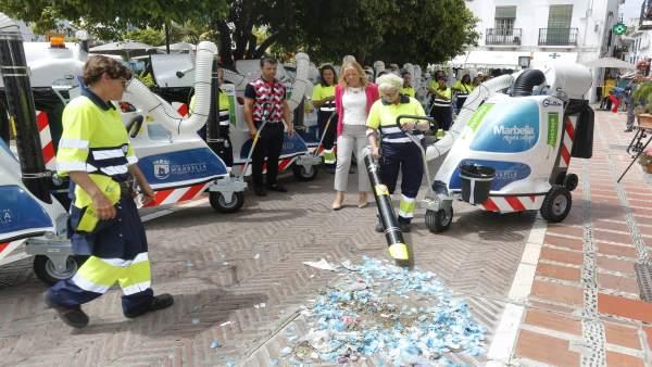 Barrenderas barrer limpieza marbella ciudad basura recoger carros aspiradoras