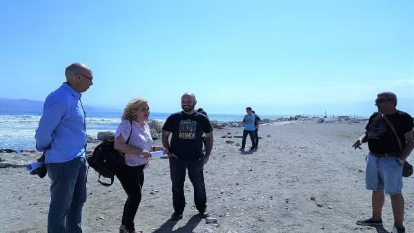 Eduardo Zorrilla y Reme Ramos en la Playa
