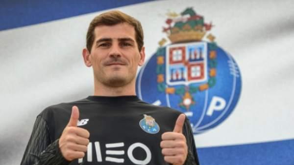 03d4f854c5b12 Iker Casillas renueva con el Oporto