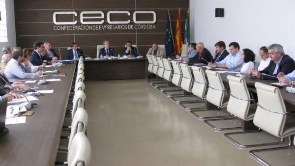 Reunión de la directiva de CECO
