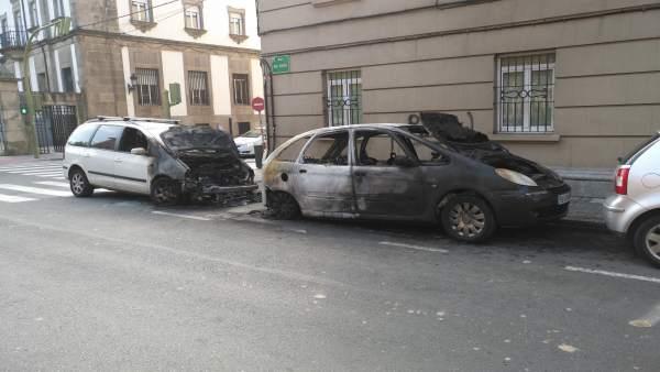 Vehículos quemados de madrugada en Ferrol