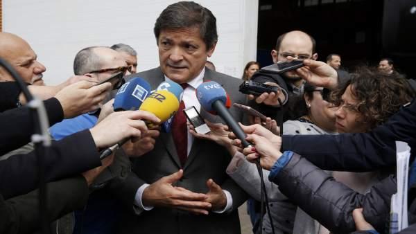 Javier Fernández visita Asturfeito