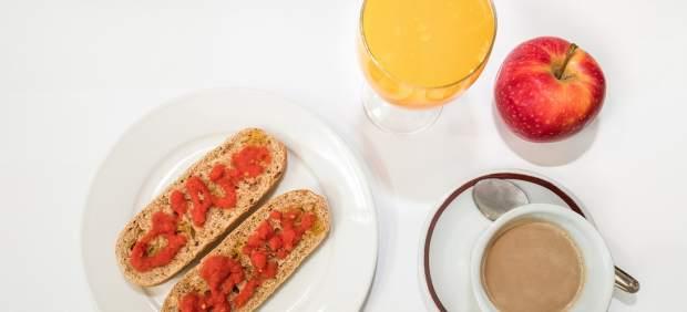 El desayuno en los niños y la cena en los mayores, las comidas que peor hacen los valencianos