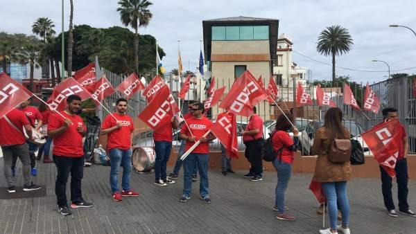 Concentración de los trabajadores de la Fecam