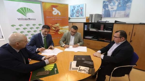 Firma de convenio entre Unicaja y Asociación de Empresarios de Chiclana