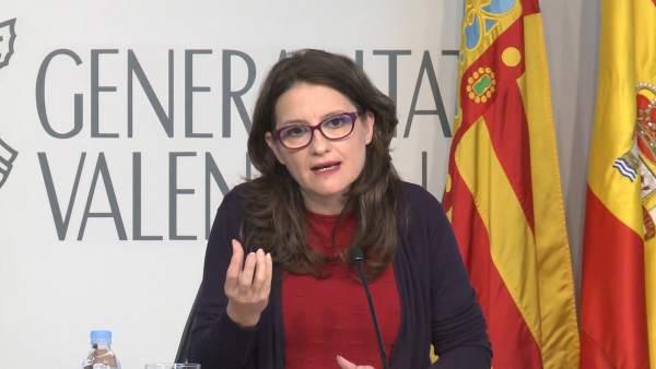 La vicepresidenta del Consell, Mónica Oltra, en rueda de prensa tras el pleno