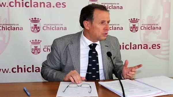 José María Román, alcalde de Chiclana