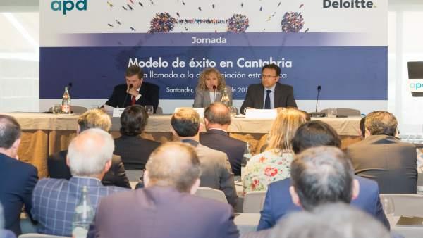 Díaz Tezanos en la inauguración de la jornada de la APD