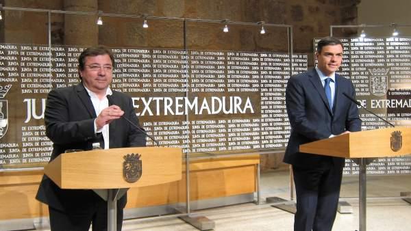 Fernández Vara y Pedro Sánchez, en Mérida