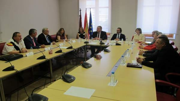 Ramos, Bernabé y Rivera durante su encuentro con las víctimas del terrorismo