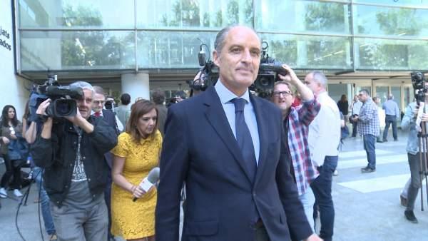 Francisco Camps, a su salida de la Ciudad de la Justicia tras declarar por la F1
