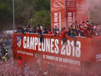 El Atlético de Madrid se va de fiesta con su afición