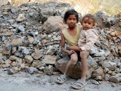 La pobreza extrema se redujo al 10%, pero el Banco Mundial alerta sobre la ralentización de su erradicación