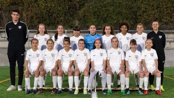 926372706a602 Las niñas del Madrid CFF se proclaman campeonas tras golear en una liga  masculina