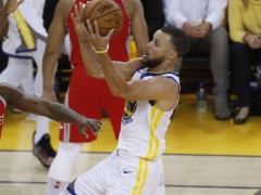 Curry anota 35 puntos y los Warriors destrozan a los Rockets