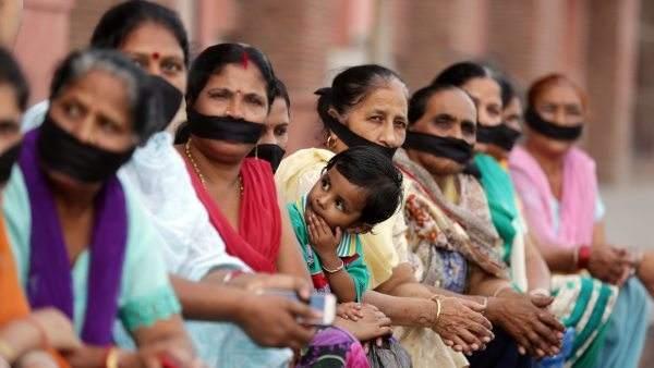 Mujeres se manifiestan por el incrementno de los abusos sexuales en India