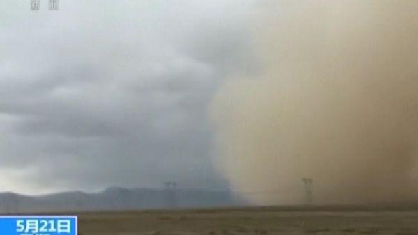 Espectacular tormenta de arena en el noroeste de China